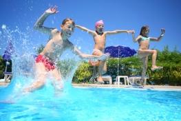 Los bonos para las piscinas municipales de Zaragoza tendrán un 5% de descuento hasta el 3 de junio